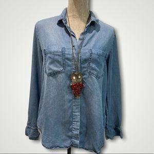 Velvet Heart Chambray Denim Shirt Medium